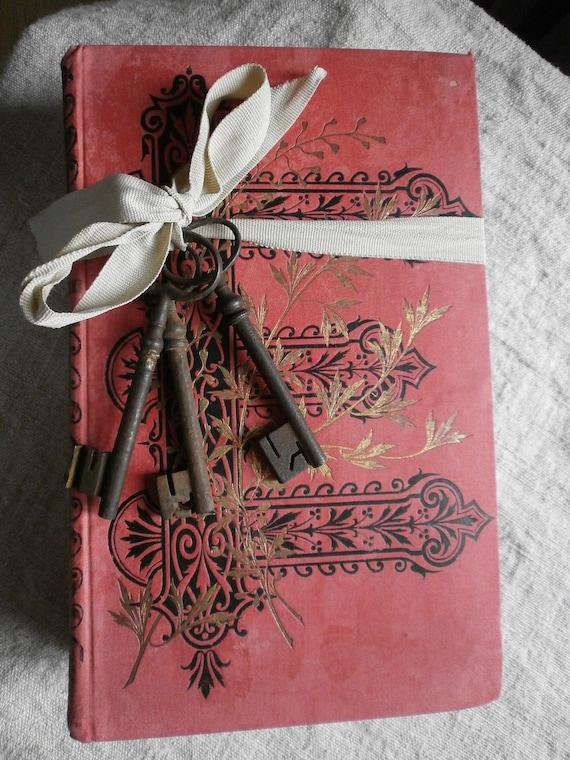 4 French Shabby Chic  Books With  Manoir Keys