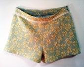 Vintage Lace Knit Adorable Spring Shorts Size 10
