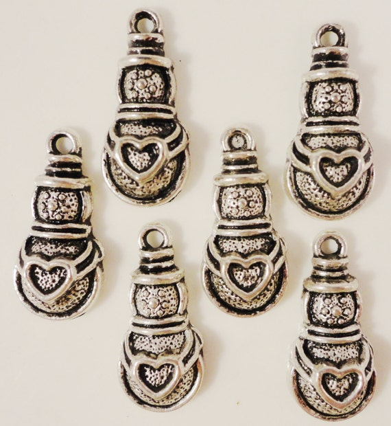 Silver Snowman Charms 24x11mm Antique Silver Tone Metal Holiday Christmas Charm Pendant Jewelry Making Findings Craft Supplies 10pcs
