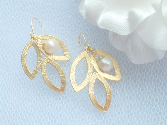 Gold Leaves and Freshwater Pearl Simple Dangle Earrings. Pearl Dew. FREE SHIPPING