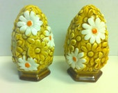 Vintage Floral/Daisy Salt and Pepper Shakers