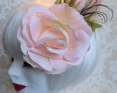 Bridemaids hair accessoires wedding hair accessoires headpiece rose feathers spring spring colours lime green rose