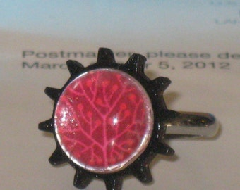 Adjustable Black Wooden Gear Ring with Acrylic Bubble over Fuchsia Tree Design