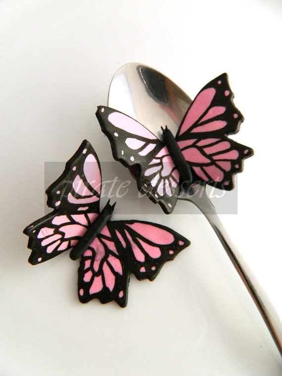 Butterfly Cupcake toppers - PINK BUTTERFLY Monarch Butterfly Fondant toppers - Edible cake decorations - Spring - (baby Pink) (3 pieces)