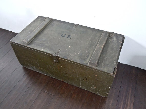 reserved for Shannon // 1943 WWII military foot locker/trunk