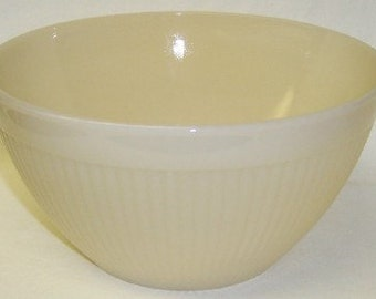 Anchor Hocking Fire King Ivory JANE RAY 7 1/2 Inch RIBBED Bowl