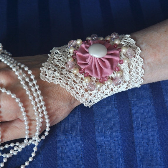 SALE MOTHERS DAY Vintage-inspired Wrist Cuff, Antique Rose White, Beads, Vintage Ecru Crochet, Rose and Off White Crochet bracelet, ooak