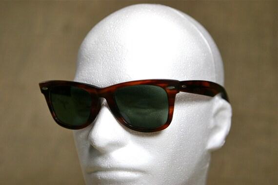 Vintage Rayban Wayfarer Bausch & Lomb Classic Sunglasses Tortoise Frame
