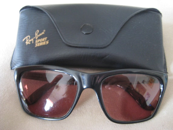 Ray-Ban cateye style Sunglasess Black with prescription lenses vintage 1980's with Ray-Ban case