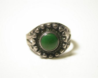 Sterling Silver and Green Nephrite Ring - Size 7 - Weight 3.7 Grams - REDUCED