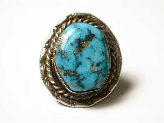 Sterling Silver and Turquoise Southwestern Ring - Size 5.5 - Weight 7.8 Grams - REDUCED