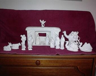 Doc Holiday 17-Piece Ceramic Bisque Nativity