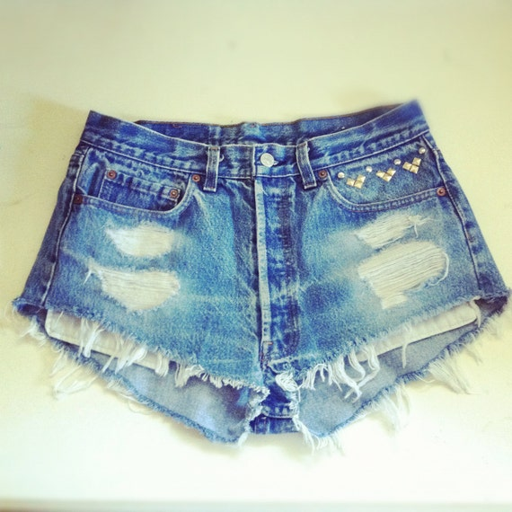 Vintage High waisted studded Levi Strauss denim shorts / Sz Large