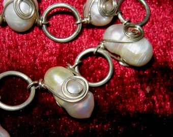 Pearl bracelet. Baroque pearl bracelet. Wire wrapped pearl bracelet