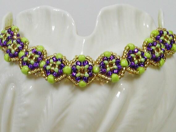 Violets in a Row seedbead bracelet