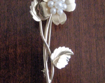 Vintage Gold Filled Pin / Brooch / Pearl Flower Pin / Catamore Pin