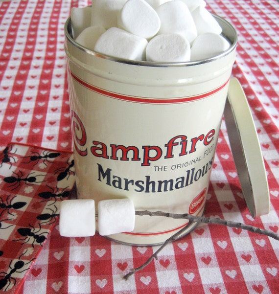 Advertising Tin - Campfire Marshmallow - Vintage Borden