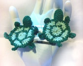Turtle Clips: hair clippies, hand crochet, green, tortoise