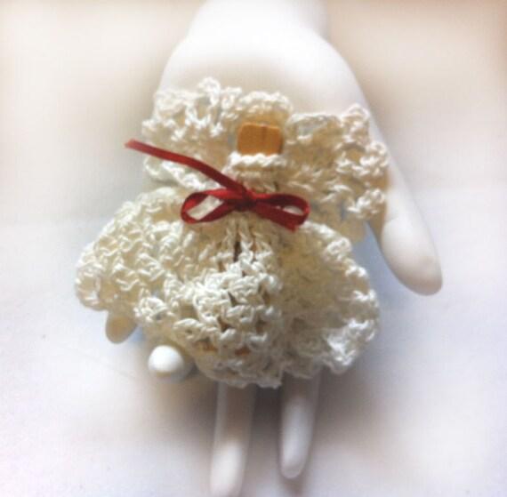 Hand Crochet Angel Magnet: Delicate, white, Fridgie