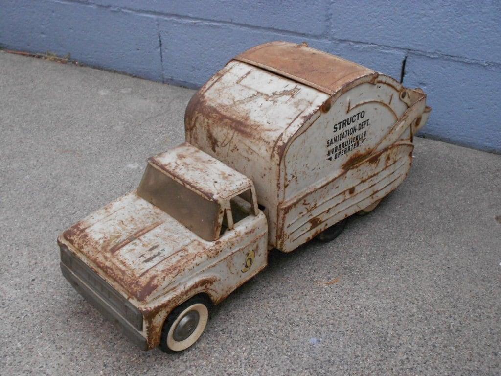 Vintage Garbage Truck 19