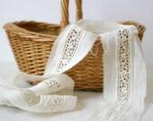 Vintage Lace Trim - off white antique 2 yards