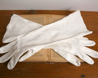 Vintage 1950s Long Formal Evening or Opera Gloves quinceanera prom homecoming wedding