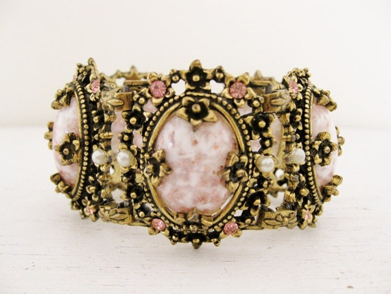 1950s Selro Selini pink cabochon link bracelet. SOLIDITY