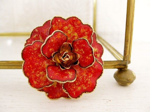 vintage 1960s enamel flower brooch. ABSTRACT ART PAINTING.