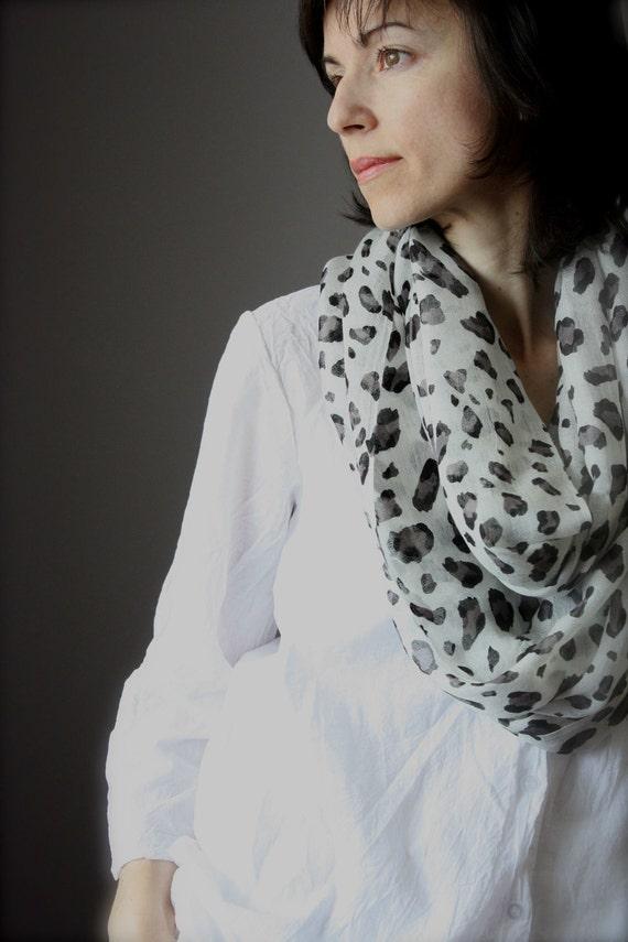 SALE  Infinity Scarf Animal Print  80 / 20% cotton / silk gauze white black  summer spring light loop tube  soft rusteam