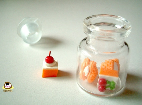 Miniature Clay Food, mini clay cupcakes, little clay, polymer clay food, dollhouse miniature, small food, mini cake, tiny , iammie