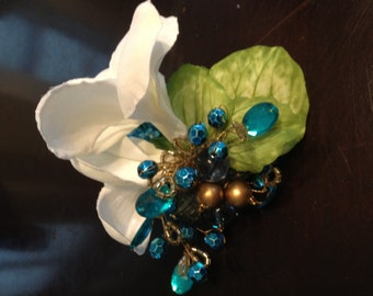 Wedding Corsages with Vintage Brooches