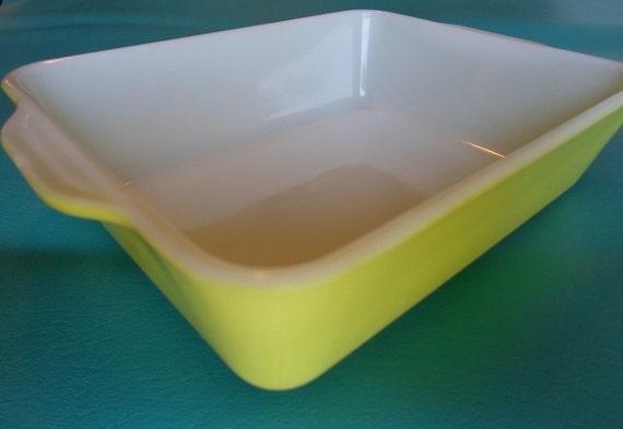 Vintage Yellow 0503 B-4 Pyrex Baking Dish  Cottage Chic