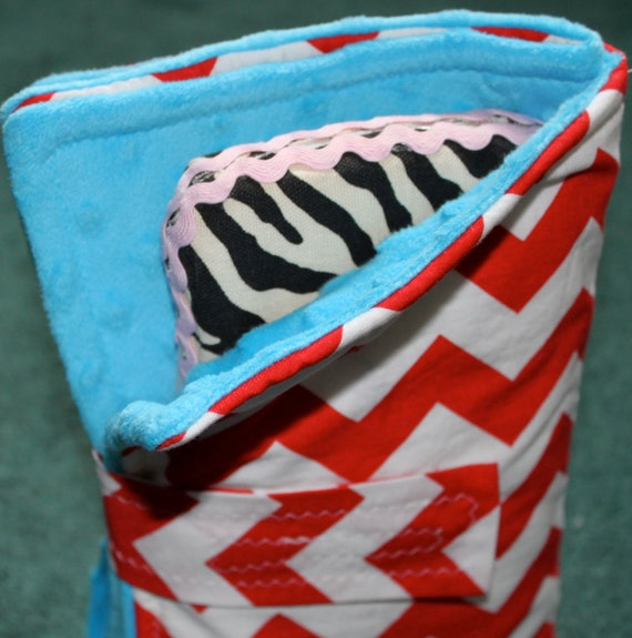 """Traveling changing pad with """"pockets"""" -red chevron with aqua minky"""