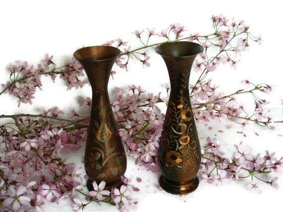 Vintage pair of 2 ETCHED COPPER bud VASES set - Old metal folk arts display pot lot - Etching crafts floral tulip & daisy flowers