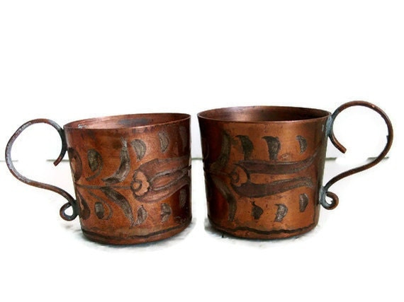 cute pair of etched copper coffee cups old metal turkish. Black Bedroom Furniture Sets. Home Design Ideas
