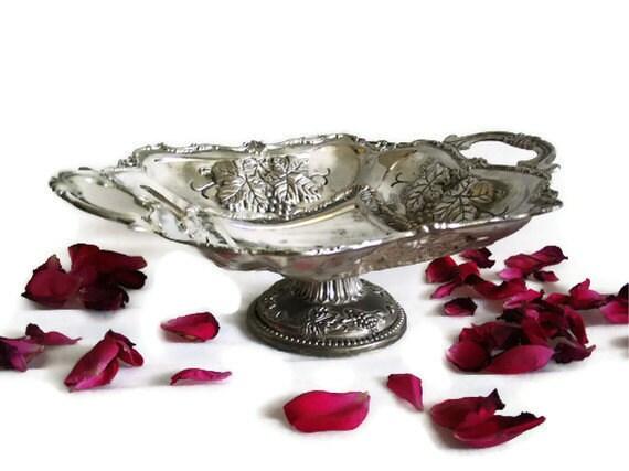 Vintage CENTERPIECE PEDESTAL BOWL - Mixed metal 3d grapes, grapevine leaves - Wedding reception decorations - Fruit, favors, trinkets dish
