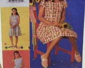 Vogue for Me 9417 Pattern for Girl's Spring / Summer Dress in Sizes 7-8-10