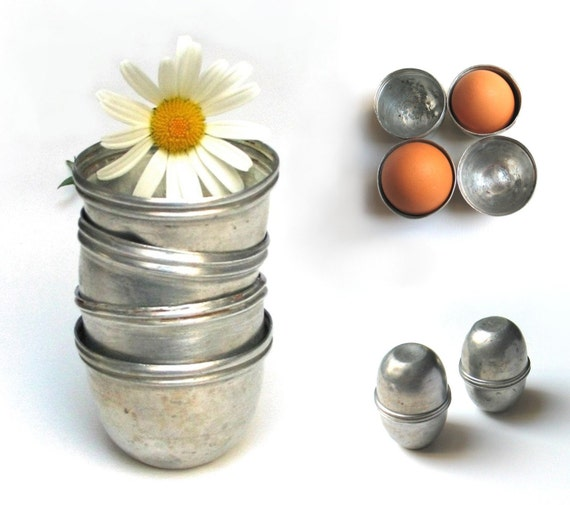 Vintage aluminum egg holder - egg container - mountain gear - 1930s