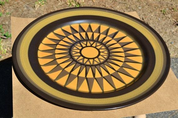 Mikasa Majorca Palma 7509 Chop Plate Round Serving Platter Brown and Yellow Sunburst