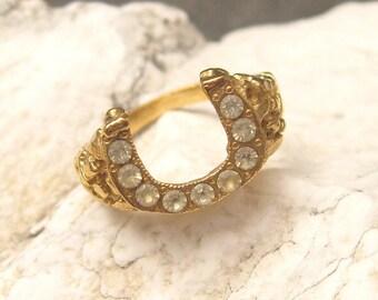 Vintage Ring Rhinestone Horseshoe Nugget Slim Size 13 H123