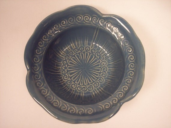 "Vintage McCoy Pottery 6"" Diameter Blue Flower Bowl"