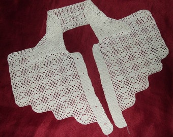 Vintage Hand Crocheted White Cotton Lace Collar
