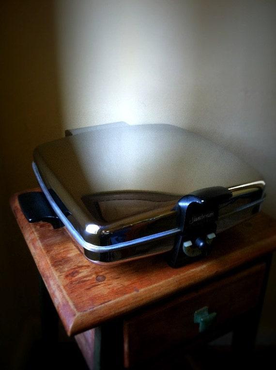 Sunbeam waffle maker iron BAKER 1250 Watt CG-1 Iron CG1 chrome