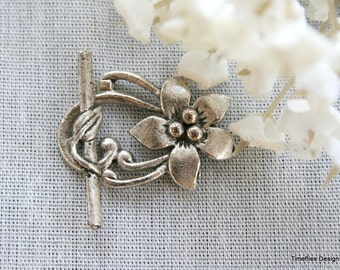 2 Antique Silver Floral Toggle Clasp