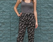 VINTAGE high waisted BLACK FLORAL cotton pants - perfect for summer - One size fits all
