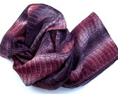 Scarf brick colours crocodile- patterned