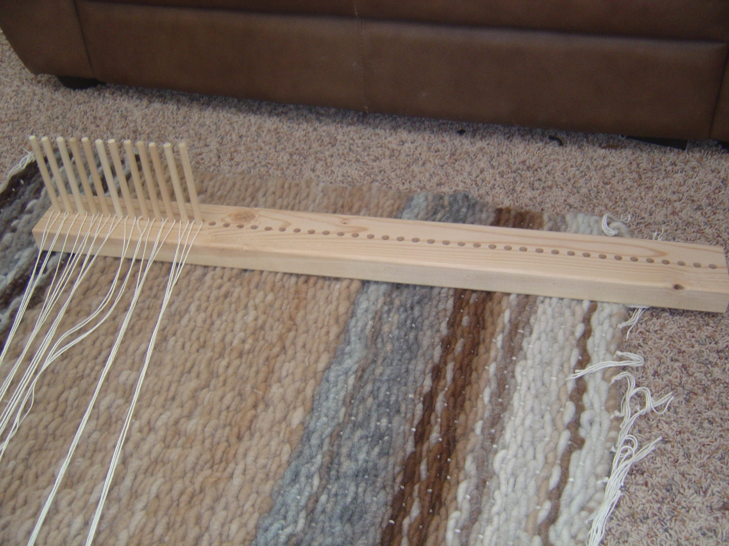 Peg Loom Weave Your Own Rugs Simply And Easily With Our