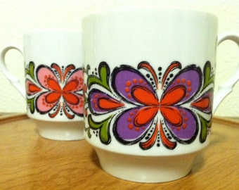 Abstract Butterly Flower Cups