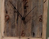 Primitive Rustic Palletwood Wall Clock (Free U.S. Shipping)