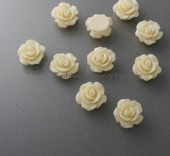 50%off 16pcs-10mm Detaied Leaves Rose Resin Cabochons -10colors Light Yellow(J101-E)